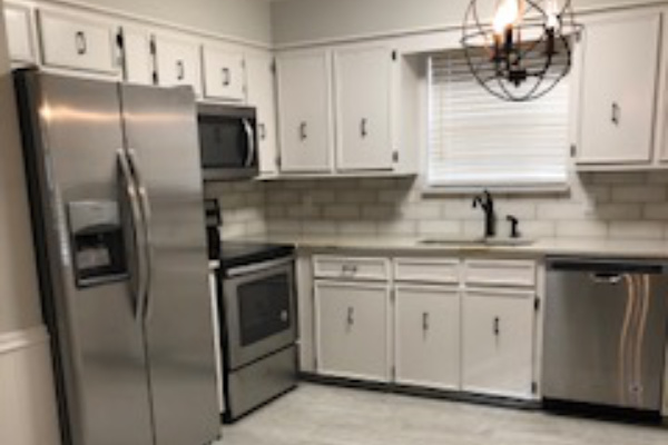 Brand New Renovations. 2 Bed Townhome Near Everything!