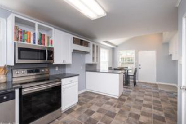 Snazzy Upgraded Hillcrest Home